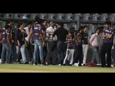 Shahrukh khan fight with security on IPL match at Wankhede ...