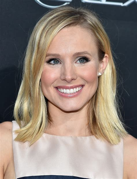 kristen bell medium straight cut edgy chic kristen bell kristen bell medium straight cut hair lookbook stylebistro