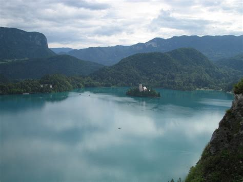 slovenia lake fairytale land beautiful bled island castle 20 pics