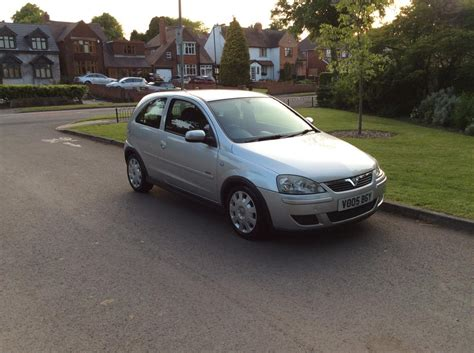 2005 vauxhall corsa 1 2 design 2 former keepers