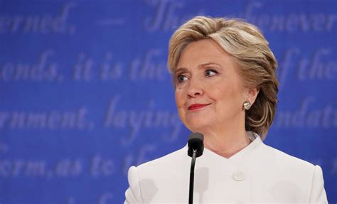 presidential debate poll says hillary clinton beat donald