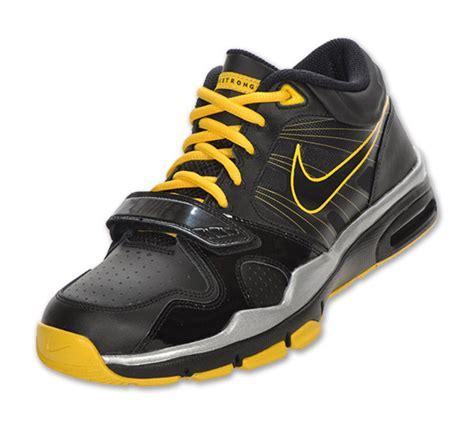 Ransel Nike Livestrong 01 Black White nike trainer 1 2 mid livestrong black varsity maize available freshness mag