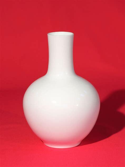 weisse vasen porzellan pv 208 vase porzellanvasen wei 223 e vasen vasen porzellan