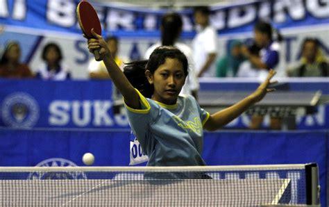 Meja Tenis Lipat tim putri kalah lawan tim kudus 0 3 187 harian jogja
