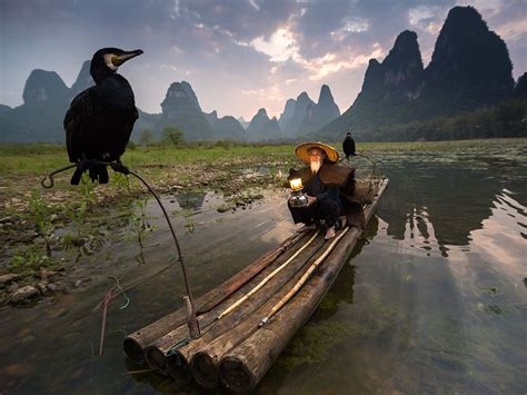 Kaos National Geographic Traditional Boat cormorant fisherman image china national geographic