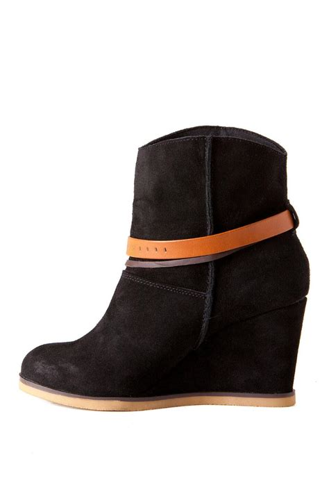 shoes colonyy wedge bootie s