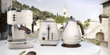 Colored Toaster 드롱기 커피머신 공식 사이트