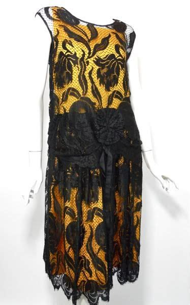 Dress Motif Tulip black silk lace 20s dress with tulip motif in weave