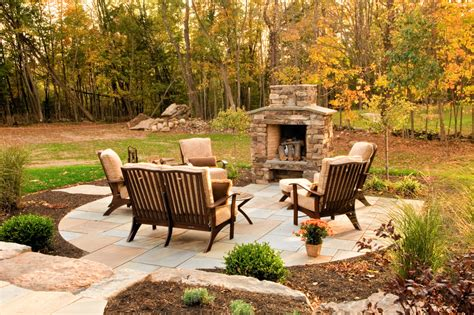 triyae pictures of outdoor patios with fireplaces