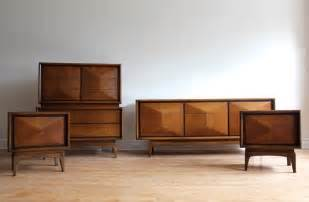 mid century modern bedroom set by united furniture in 3726