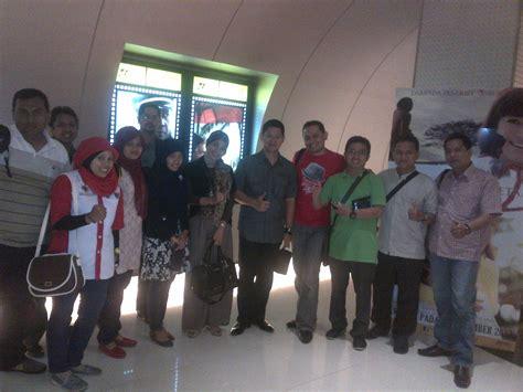 film malaysia nongkrong lesehan ayam jantan pengusaha muda indonesia hadir di