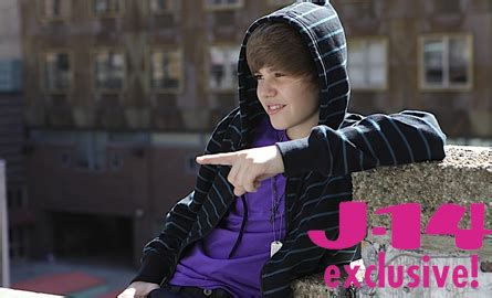 justin bieber quizzes on j 14 this just in justin bieber on snl april 10 j 14
