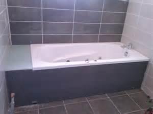 pose de la baignoire et habillage le de fred