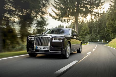 roll royce car 2018 first look 2018 rolls royce phantom viii canadian auto