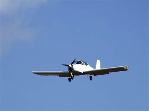 Aircraft Landing Lights by Light Aircraft Landing 4 Free Photos Highres