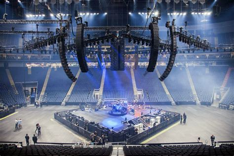 metallica and the meyer sound leo inaugurate quebec arena
