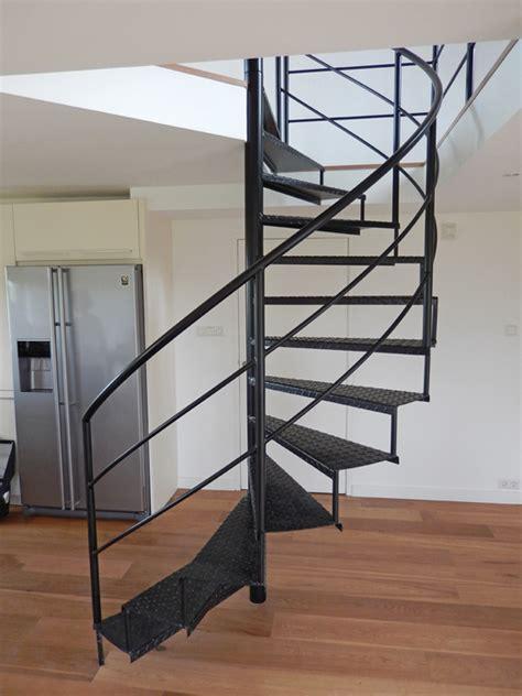 spiltrap zwart zwarte wenteltrap trappenkopen nl