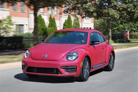 pink volkswagen pink volkswagen beetle auctioned 30 000 drivers