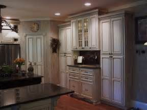 Glazing Kitchen Cabinets by Painted And Glazed Kitchen Cabinets Traditional