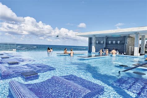 best hotels in the bahamas look at how the renovated riu palace paradise island