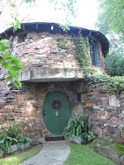 real life hobbit house real life hobbit homes to make your inner nerd squeal in