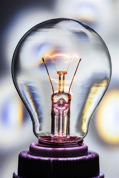 who created the first light thomas edison facts for kids cool kid facts