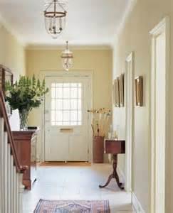 ten amazing ideas for decoration of small hallways