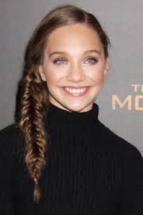 maddie hair styles maddie ziegler straight medium brown fishtail braid