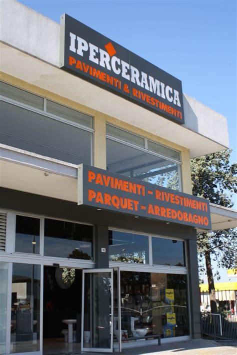 negozi di piastrelle nuovo negozio di piastrelle iperceramica a rimini