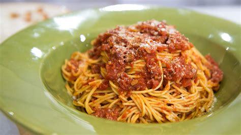cuisine spaghetti comfort food spaghetti all amatriciana no bake