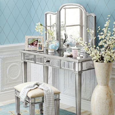 mirrored bedroom vanity table best 25 mirrored vanity ideas on pinterest mirrored