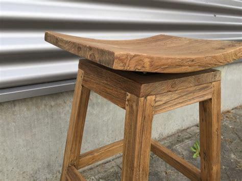 barhocker aus holz barstuhl massivholz barhocker holz sitzh 246 he 70 cm