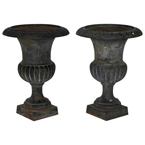Pair Of 19th Century Cast Iron Planters For Sale At 1stdibs Cast Iron Planters