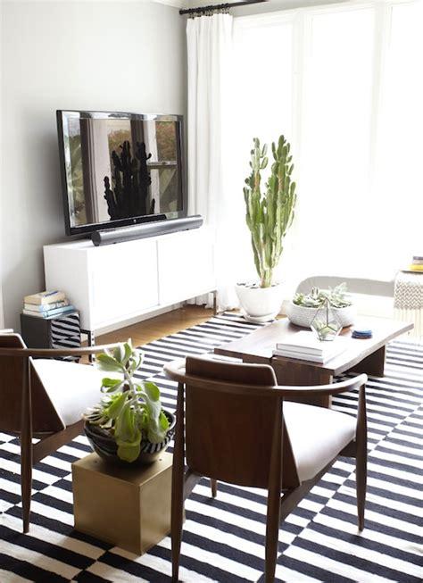Ikea stockholm rug eclectic living room benjamin moore half moon
