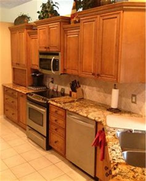 butterscotch glazed kitchen cabinets rta 1000 images about kitchens medium brown on