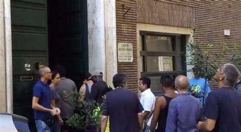 sede inps ostia i militanti occupano l ex sede inps di piazza