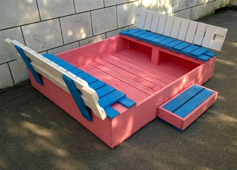 Diy Entryway Bench Build A Covered Pallet Sandbox Diy