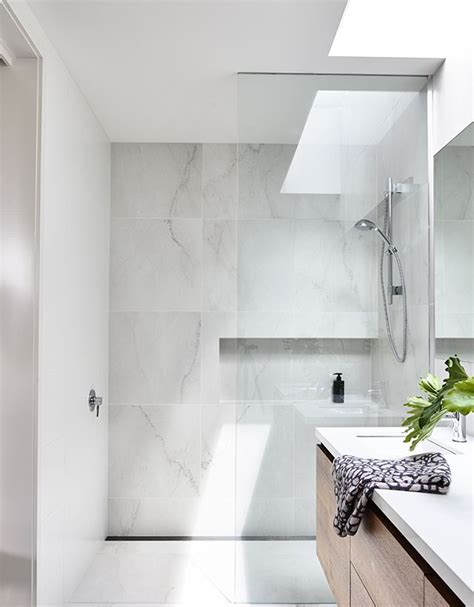 Marble Bathroom Tiles Uk by 25 Best Marble Tiles Ideas On