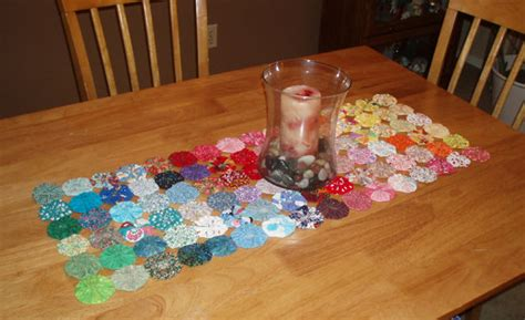 How To Make Yo Yos For A Quilt by Quilt With Yo Yos 7 Steps With Pictures