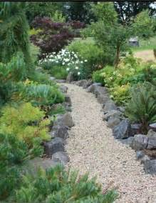 Pea Gravel Path Lining Pea Gravel Path Front And Back Yard Ideas