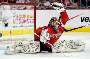 Save Our National Hockey Essay by Washington Capitals Find A Keeper In Braden Holtby Toronto