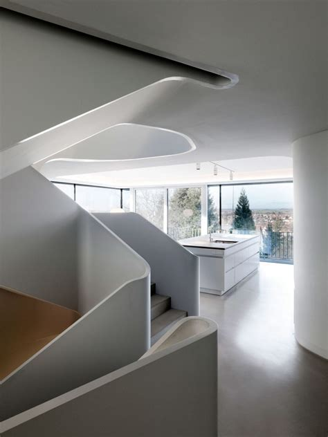 Stunning Modern House with Curved Wall ~ HouseBeauty