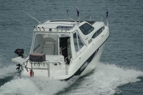 boats online whittley whittley cr 2800 boat reviews boats online