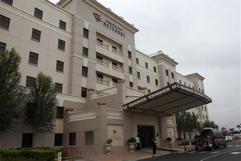 emperors palace review