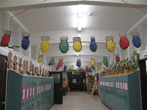 school hallways christmas decorating contest hall