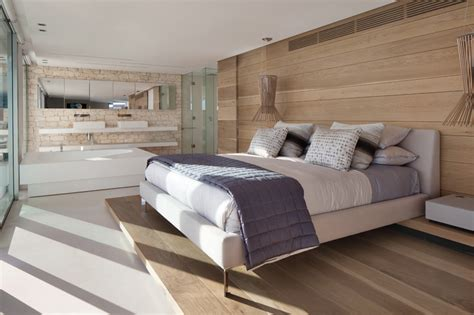 chambre palette bois maison avec une palette de couleurs naturelles et douces