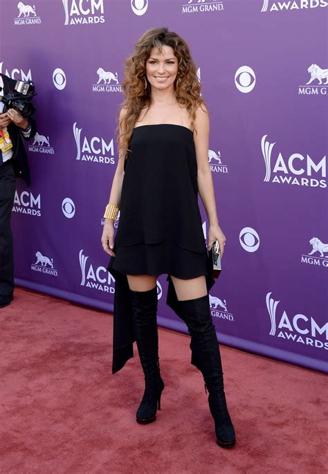 shania twain  black dress shania twain