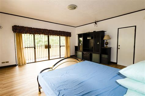 5 bedroom house with pool for rent house with swimming pool for rent in maria luisa cebu