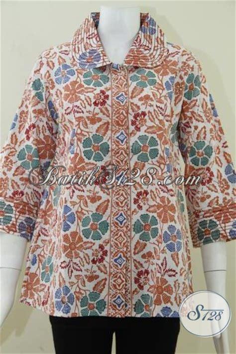 Baju Atasan Wanita Blouse Batik Bahan Katun Kode 1071 atasan batik wanita modern terbaru bahan katun proses batik cap bledak model baju batik