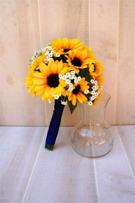 Wedding Bouquets Using Sunflowers by 25 Best Ideas About Sunflower Bridal Bouquets On